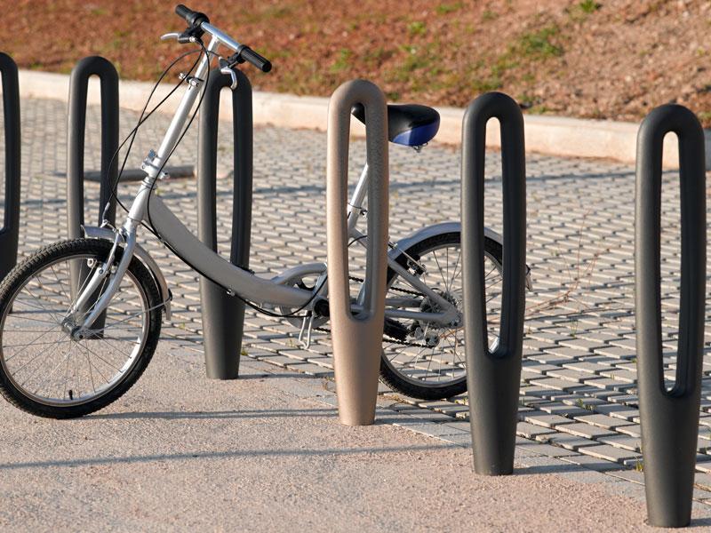 colomer-nou-parc-fundicion-mobiliario-urbano-parques-infantiles-restauracion-bicicleta