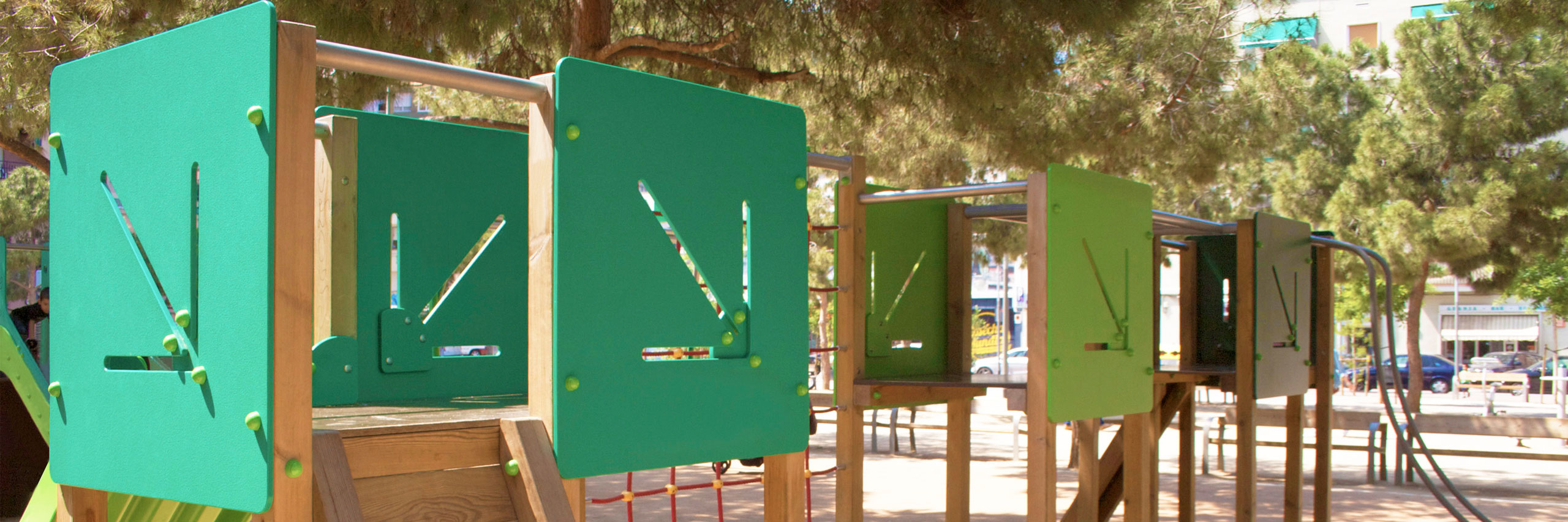 colomer-nou-parc-fundicion-mobiliario-urbano-parques-infantiles-restauracion-cabecera-parques-infantiles